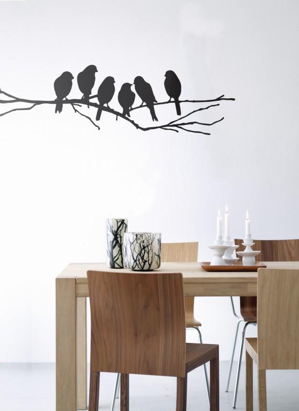 fåglar på väggen